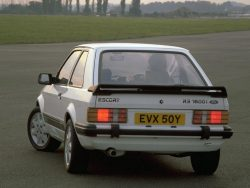 ford-escort-rs1600i-3