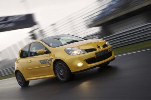 renault-clio-3-rs-f1-team-r27-23
