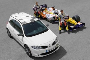 renault-megane-2-rs-f1-team-r26-7