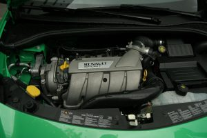 renault-clio3-rs-phase2-79