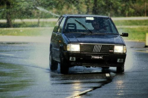 fiat-uno-turbo-ie-11