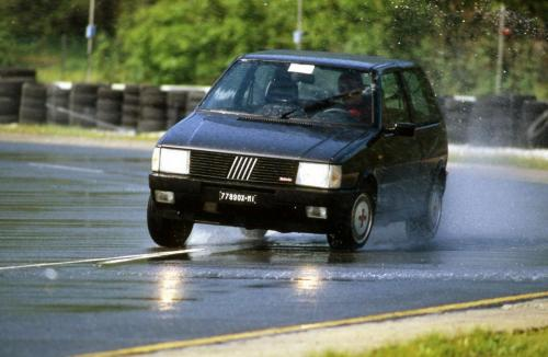 fiat-uno-turbo-ie-13