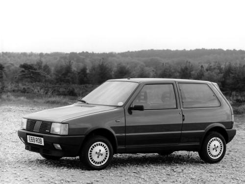 fiat-uno-turbo-ie-14