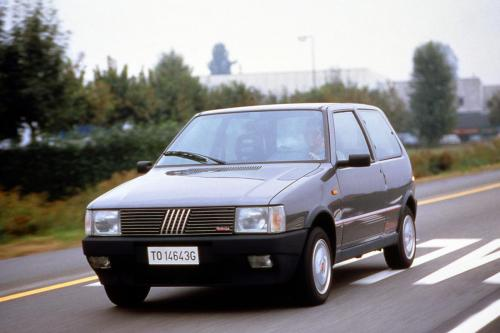 fiat-uno-turbo-ie-6