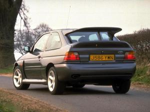 ford-escort-rs-cosworth-17