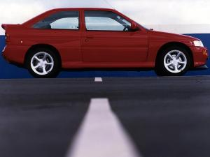 ford-escort-rs-cosworth-18
