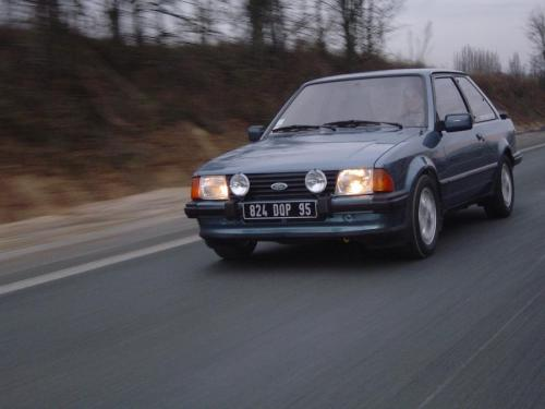 ford-escort-xr3-1980-11