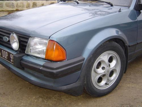 ford-escort-xr3-1980-2