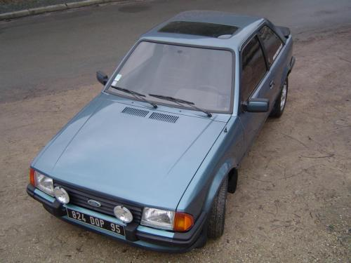 ford-escort-xr3-1980-6