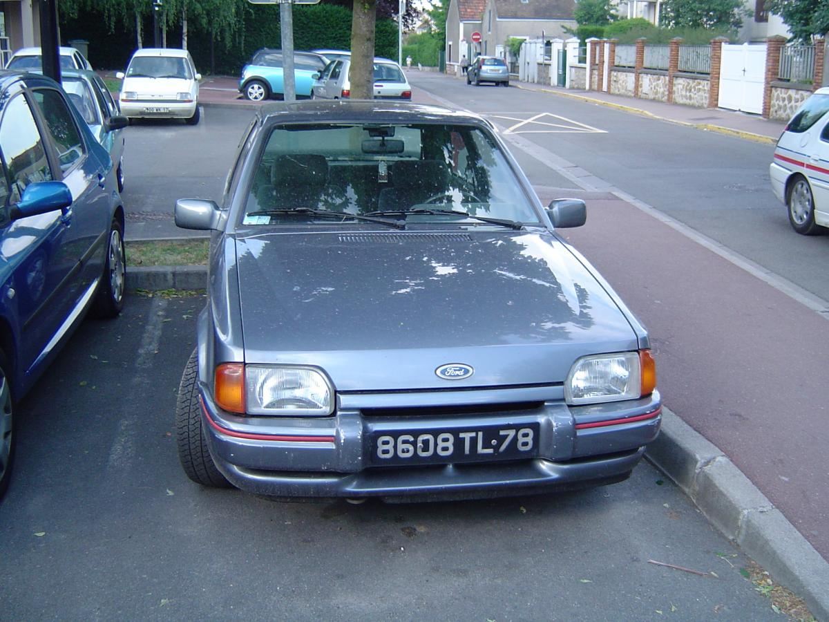 ford-escort-xr3i-essai-1