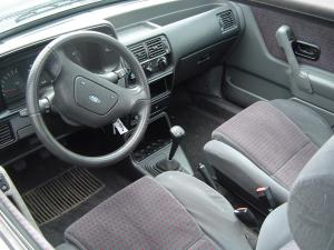 ford-escort-xr3i-essai-10