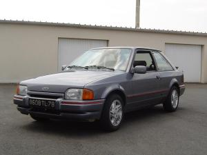 ford-escort-xr3i-essai-12