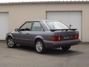 ford-escort-xr3i-essai-9