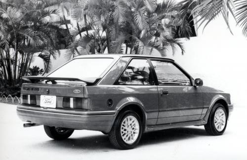 ford-escort-xr3i-phase2-18