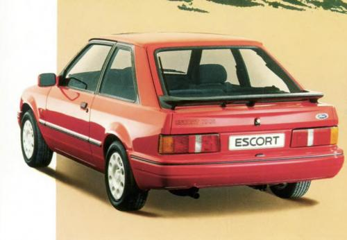 ford-escort-xr3i-phase2-23