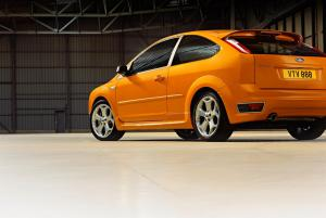 ford-focus-st-225-16