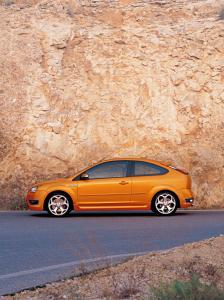ford-focus-st-225-2