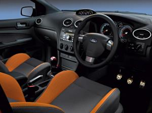 ford-focus-st-225-35