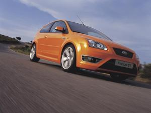 ford-focus-st-225-55