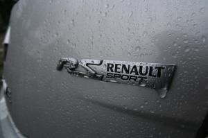 match-renault-megane-2-rs-r26-f1-team-vs-megane-3-rs-11