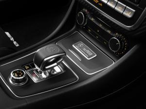 Mercedes-Benz-A45-AMG-MERCEDES-AMG-PETRONAS-2015-World-Champion-Edition-W176-1
