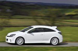 opel-astra-h-gtc-opc-nurburgring-edition-10