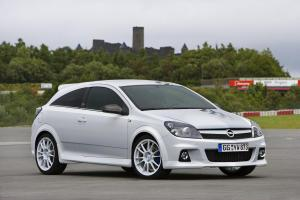 opel-astra-h-gtc-opc-nurburgring-edition-2