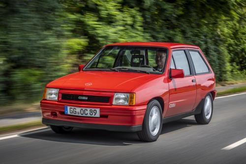 Opel-Corsa-A-GSi-507119 (1)