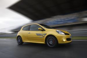 renault-clio-3-rs-f1-team-r27-22