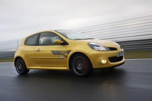 renault-clio-3-rs-f1-team-r27-25