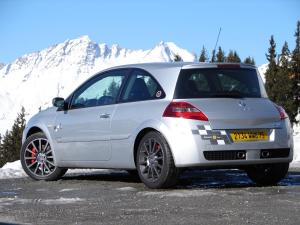 renault-megane-2-rs-f1-team-r26-127