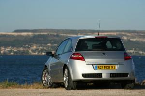 renault-megane-2-rs-f1-team-r26-184