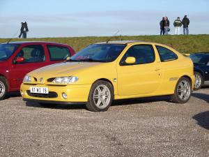 renault-megane-coupe-16v-monte-carlo-11