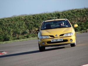 renault-megane-coupe-16v-monte-carlo-12