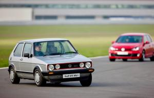 volkswagen-golf-1-gti-1800-pirelli-17