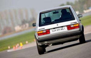 volkswagen-golf-1-gti-1800-pirelli-18