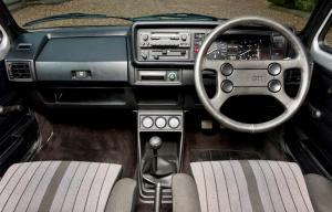 volkswagen-golf-1-gti-1800-pirelli-24