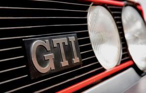 volkswagen-golf-1-gti-1800-pirelli-29