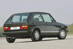 volkswagen-golf-1-gti-1800-pirelli-4