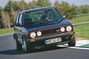 volkswagen-golf-1-gti-1800-pirelli-6