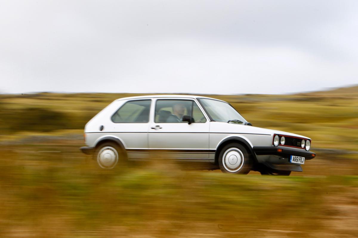 volkswagen-golf-1-gti-1800-pirelli-1