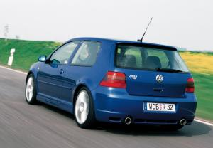 volkswagen-golf-4-r32-11