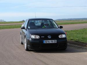 volkswagen-golf-4-r32-18
