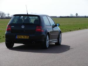 volkswagen-golf-4-r32-31