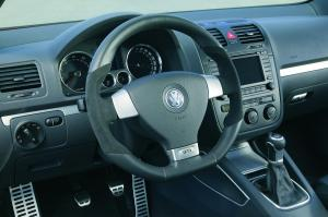 volkswagen-golf5-gti-2