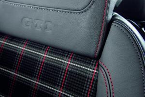 volkswagen-golf-5-gti-edition30-18