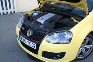volkswagen-golf-5-gti-pirelli-1