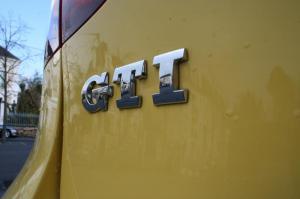 volkswagen-golf-5-gti-pirelli-12