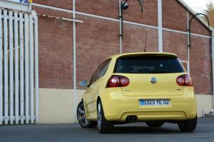 volkswagen-golf-5-gti-pirelli-24