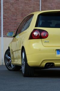 volkswagen-golf-5-gti-pirelli-25